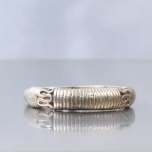 Jewelry - Vintage Solid Sterling Silver Ring 4